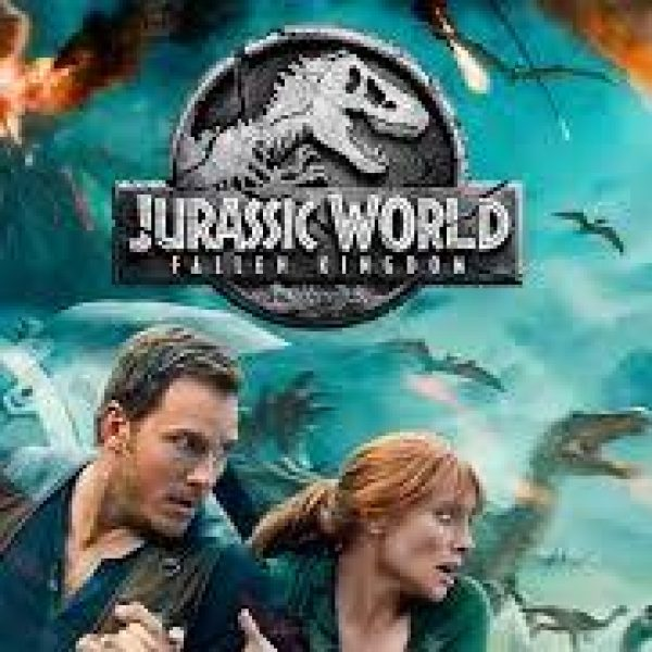 Jurassic World Fallen Kingdom Chris Pratt and Bryce Dallas Howard running with dinosaurs